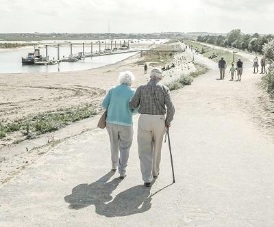 Chronische Krankheiten im Alter Bild oben