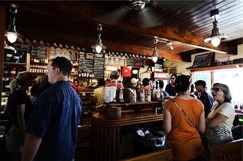 Stadt Magazin Bild oben unsplash.com, Dogancan Ozturan